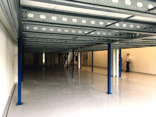 MontageTeam Noordrek Lagerbühne oder SelbstMontage Lagerbühne-Stahlbühne