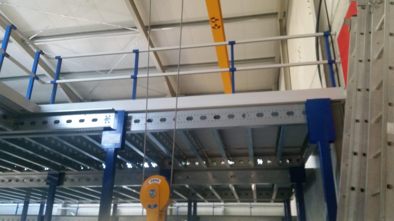 Entresolvloer - Verdiepingsvloer Leuningconstructie